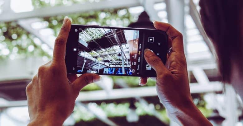 Photo of كاميرات الهواتف الذكية المدعومة بالذكاء الاصطناعي تغيّر الطريقة التي نرى بها الواقع